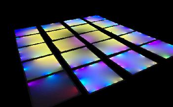 Pisos Pixel Led con base de polipropileno de alta resistencia y panel de vidrio templado con un asombroso efecto visual.