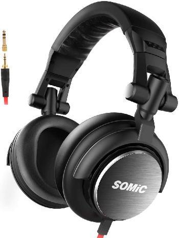 Auriculares profesionales SOMIC diseñados especialmente para DJs con orejeras rotables 180°, completamente plegables y diseño ergonómico con materiales de alta calidad.